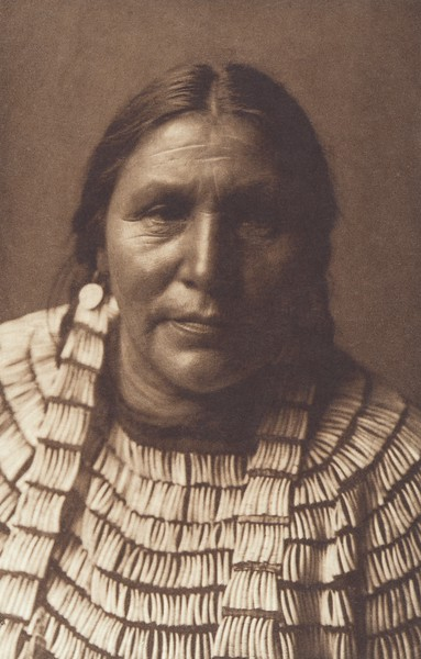 Hidatsa Woman (Indians of North America, v. IV. Cambridge, MA: The University Press, 1909)