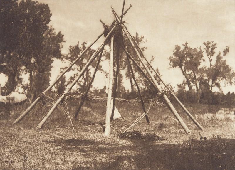Tobacco Ceremonial Lodge - Apsaroke (Indians of North America, v. IV. Cambridge, MA: The University Press, 1909)