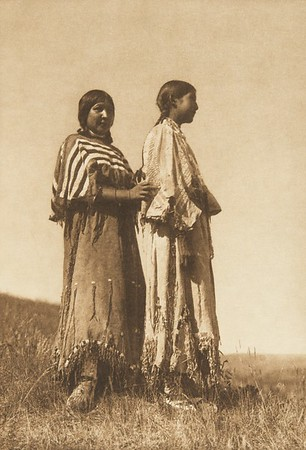 Piegan Girls (The North American Indian, v. VI. Cambridge, MA: The University Press, 1911)