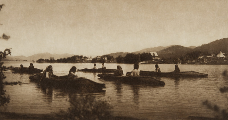 Kalispel Canoes (The North American Indian, v. VII. Norwood, MA: The Plimpton Press, 1911)