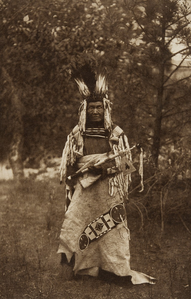 A Flathead Chief (The North American Indian, v. VII. Norwood, MA: The Plimpton Press, 1911)