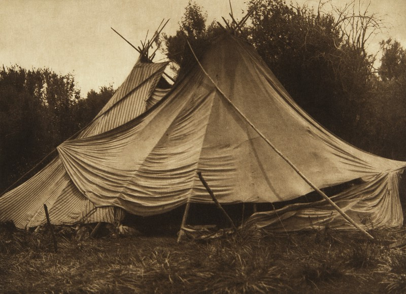 A Holiday Lodge - Yakima (The North American Indian, v. VII. Norwood, MA: The Plimpton Press, 1911)
