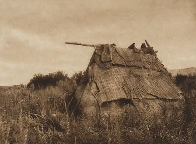 Deserted Lodge - Yakima (The North American Indian, v. VII. Norwood, MA: The Plimpton Press, 1911)