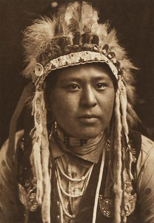 White Bull - Umatilla (The North American Indian, v. VIII. Norwood, MA: The Plimpton Press, 1911)