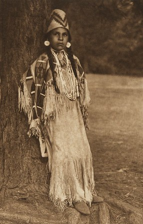 Umatilla Girl (The North American Indian, v. VIII. Norwood, MA: The Plimpton Press, 1911)