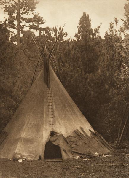 A Mountain Home - Umatilla (The North American Indian, v. VIII. Norwood, MA: The Plimpton Press, 1911)