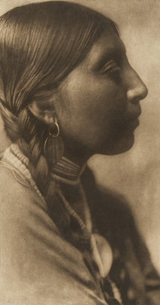 Wishham Young Woman (The North American Indian, v. VIII. Norwood, MA: The Plimpton Press, 1911)