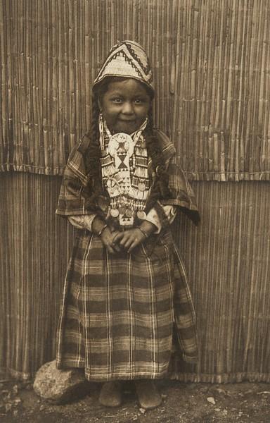 Mnashwai - Wishham (The North American Indian, v. VIII. Norwood, MA: The Plimpton Press, 1911)