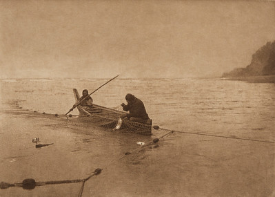 Lifting the Net - Quinault (The North American Indian, v. IX. Norwood, MA: The Plimpton Press, 1913)