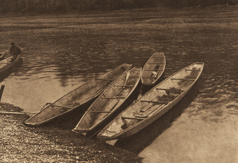 "River ""Shovelnose"" Canoes - Quinault (The North American Indian, v. IX. Norwood, MA: The Plimpton Press, 1913)"