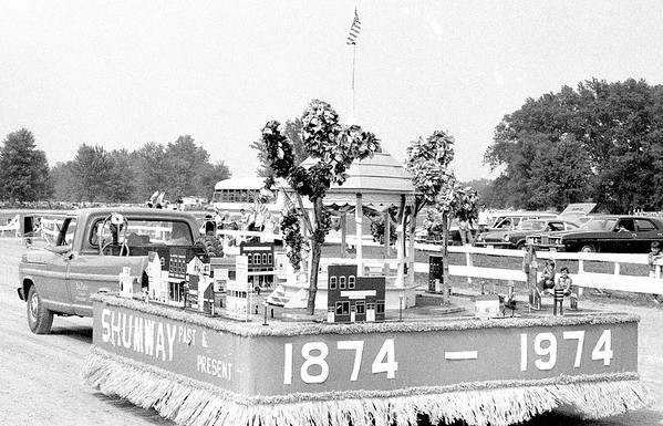 A float in the 1974 Effingham County Fair Parade. EDN file photo