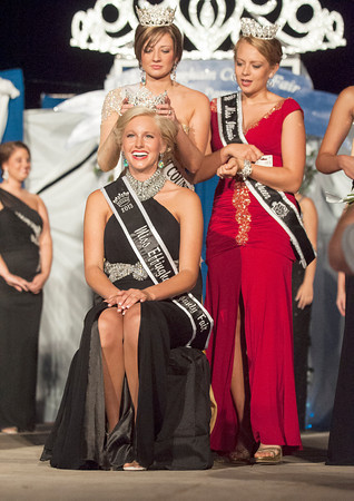 Breeanna Strauch waits to be crowned Effingham County Fair Queen.