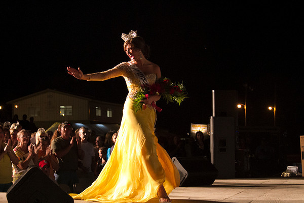 Gina Thoele, Miss Effingham County Fair Queen 2012, takes her last walk Tuesday during the 2013 Pageant. | Photo by Cassie Porter