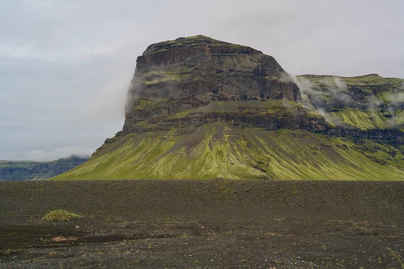 Der Berg links vom Gletscher