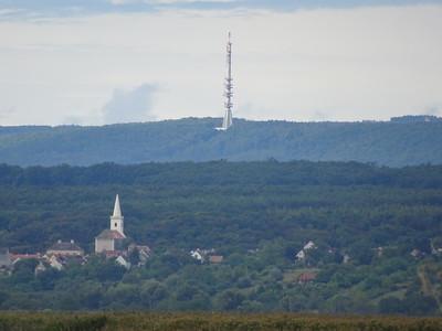 Nem is annyira távol, Sopron a tóról nézve