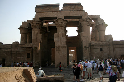 Kom Ombo - on our way out as all the tourists arrive