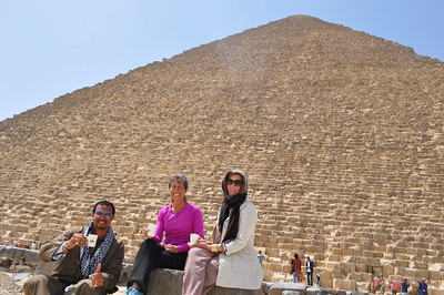 Monika and I were invited to a lovely Egyptian tea under the Great Pyramid by Oscar our new Egyptian friend.