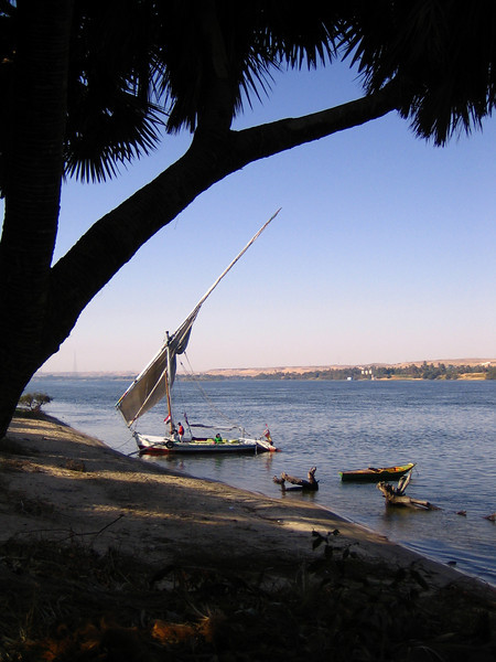 In Aswan, I boarded a felucca (ancient broad-sail boat) to sail 3 days on the Nile River.