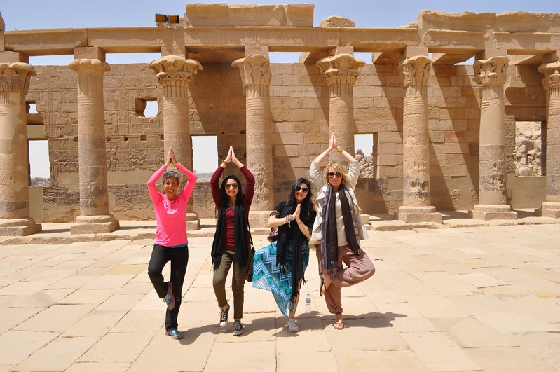How do you walk like an Egyptian?