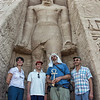abu-simbel-statues-people