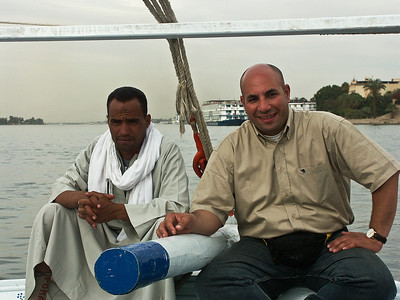 nile-river-boat-men