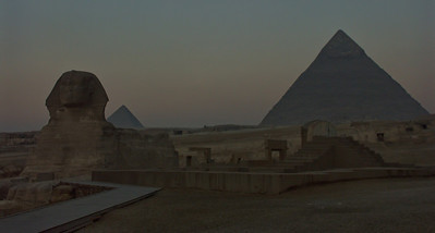 Next morning and the pre dawn start of our private tour of the sphinx and pyramids.