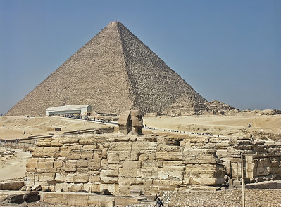 The Sphinx head and the Great Pyramid