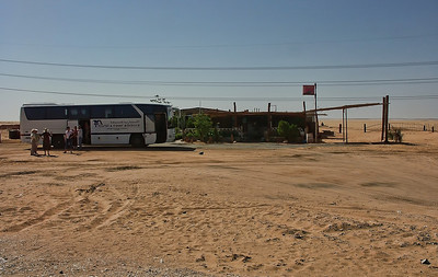 egypt-desert-tour-bus