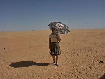 egypt-desert- woman