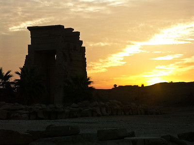 karnak-temple-sunrise
