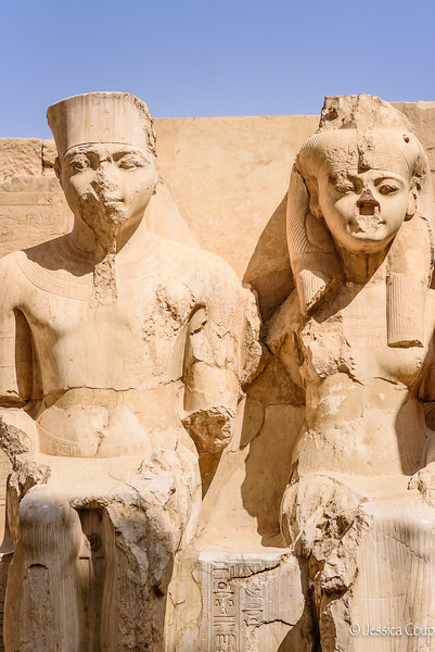 King Tutankhamun and Queen Ankhesenamun