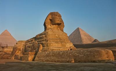 egypt-sphinx-pyramids-1