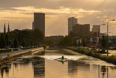Roeien over het stadskanaal in Eindhoven