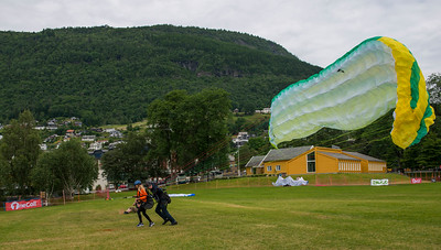 Tandem Paragliding, take-off.