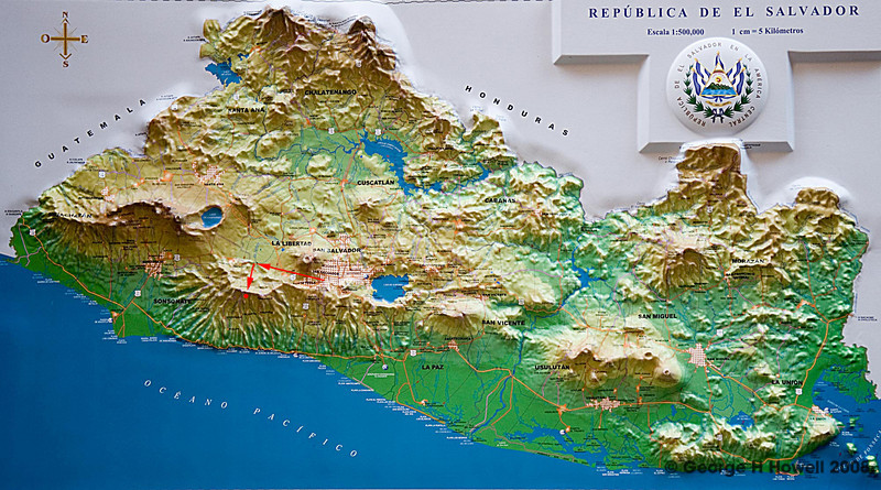 At first we face the Santa Anna volcano, then turn south to drive over the mountain ridge, called the Central Belt, to Matalapa, facing the Pacific Ocean.