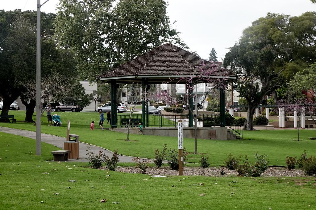 Downtown El Segundo Park