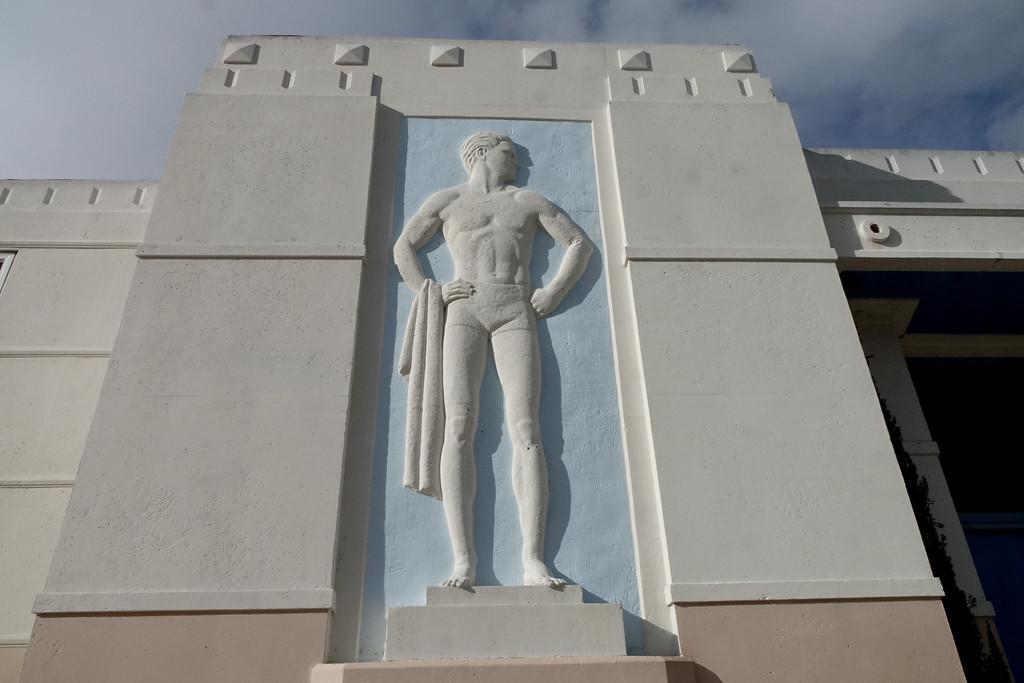 Art Deco El Segundo Swim Stadium