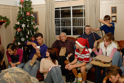 Eldredge Christmas Party 2007-19
