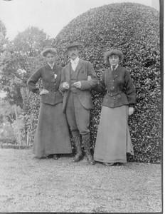 Eleanor Roosevelt with Mr. & Mrs. Robert Ferguson in Strathpeffer, Scotland. 1905. Franklin D. Roosevelt Library archives