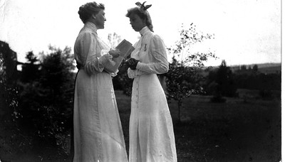 Eleanor Roosevelt with Sara D. Roosevelt at Campobello 1904. Franklin D. Roosevelt Library archives