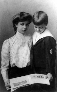 Eleanor - with her brother G. Hall Roosevelt 1898. Franklin D. Roosevelt Library archives.