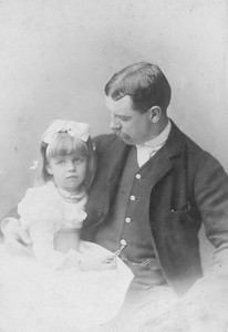 Eleanor with her father Elliott Roosevelt 1889. Franklin D. Roosevelt Library archives
