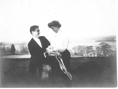 FDR - with Eleanor at Algonac, Newburgh, New York 1905. Franklin D. Roosevelt Library archives