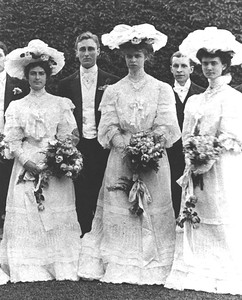 FDR and Eleanor at wedding of Theodore D. Robinson and Helen R. Roosevelt, Hyde Park, NY, 1904. Franklin D. Roosevelt Library archives