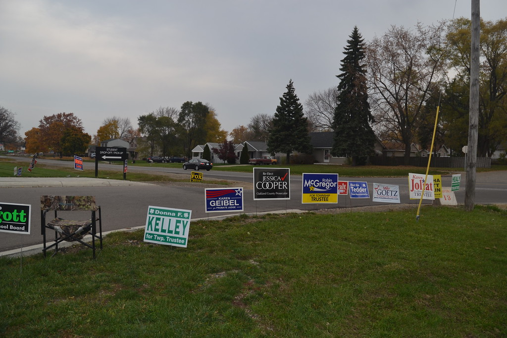 . Election signs outside of Waterford Mott High School on Nov. 8, 2016. Anne Runkle / Digital First Media.