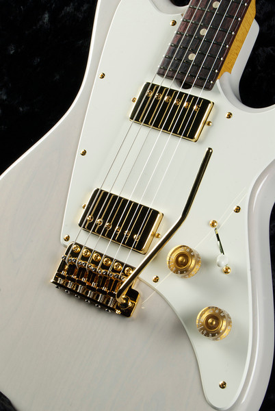 ElectraJet #3216 MK White, Gold Hardware, 302N, 327B Grosh Pickups.
