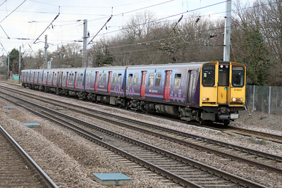 313037  Welwyn.G.City-Moorgate service slows for Welham Green 17/02/12