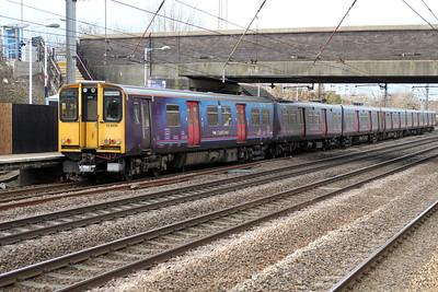 313030 on a Moorgate-Welwyn.G.C service 17/02/12