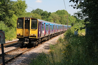 313030 Approaches Bayford with a Hertford North-Moorgate service   07/07/18