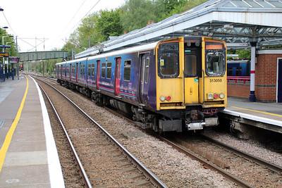 313050 pauses at Hertford North 14/05/13.